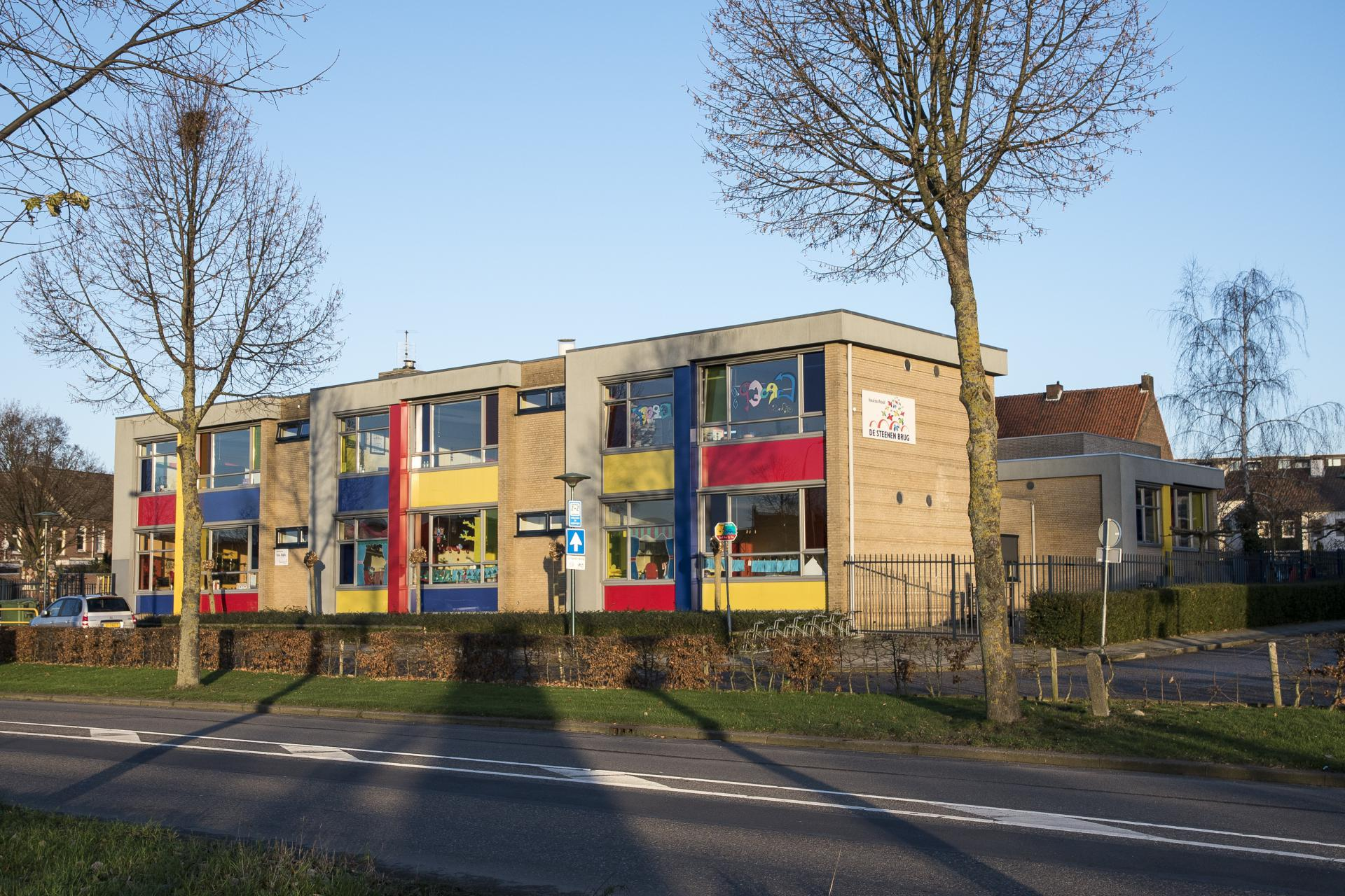 Basisschool De Steenen Brug is een echte stadsschool